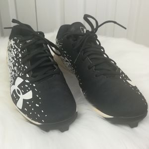4/$25 Under Armour black and white baseball cleats